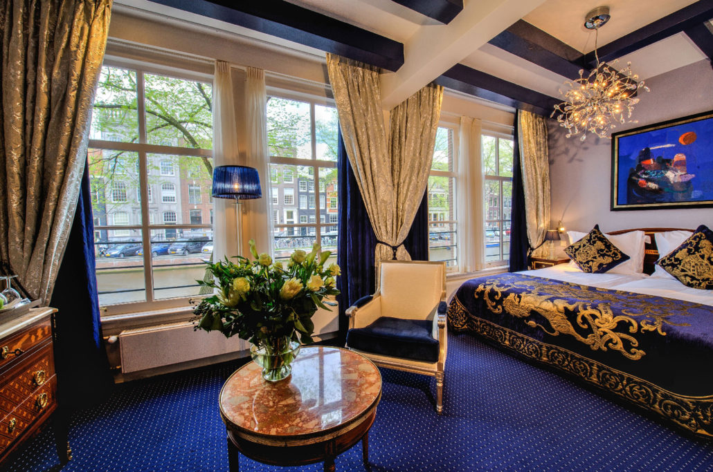 Style and luxury on Herengracht: The Ambassade Hotel offers you an excellent location and beautiful rooms. This is a Superior Deluxe room