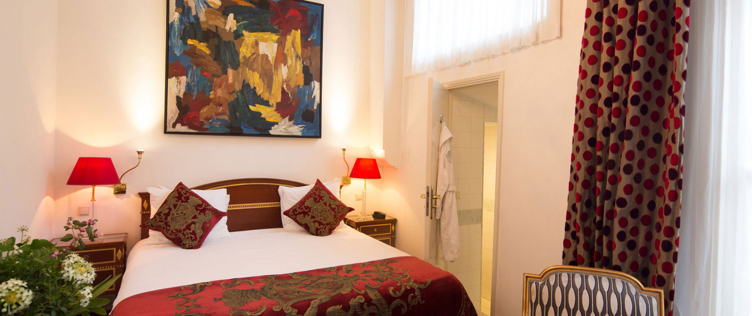 Classic Room, decorated to perfection with art and nice furnishings