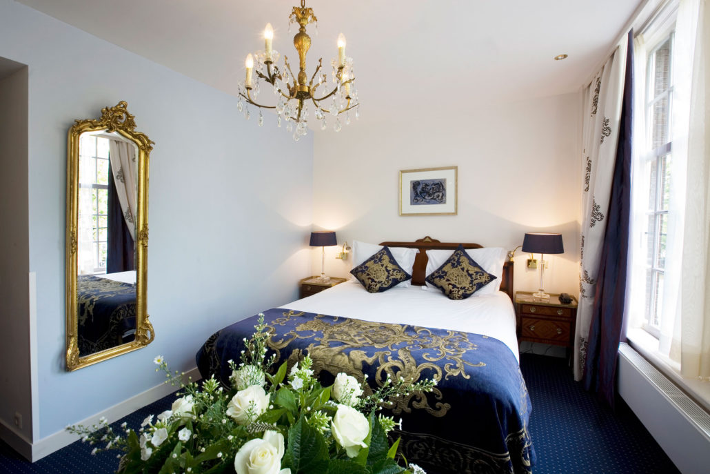 Deluxe room overlooking the canal