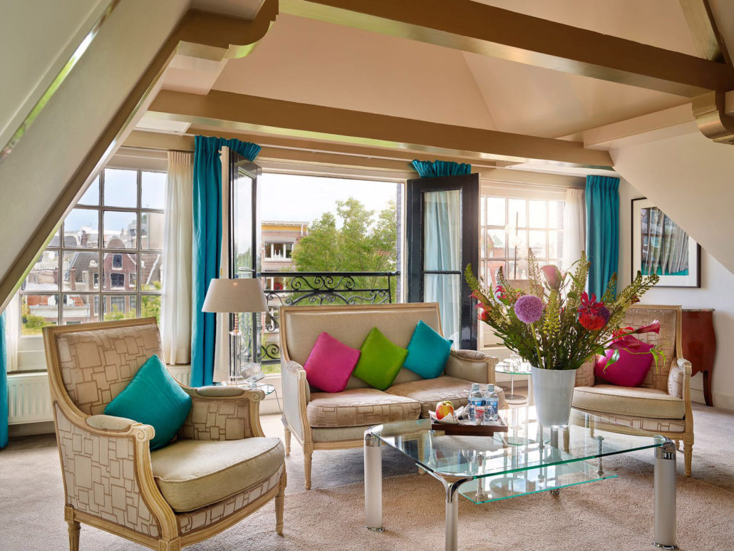 Grand Suite overlooking the Singel Canal in the centre of Amsterdam